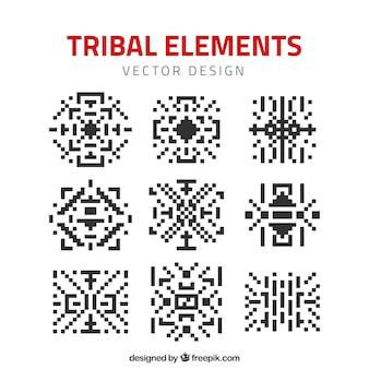 Elementos étnicos hechos de píxeles