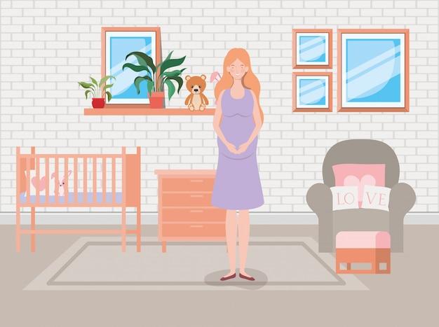 Embarazo de mujer hermosa en escena de dormitorio de bebé