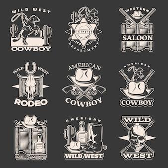 El emblema blanco salvaje del oeste aislado fijó en oscuridad con las descripciones del vaquero americano del departamento del sheriff del salón occidental