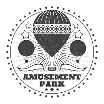 Emblema del parque de atracciones vintage monocromo