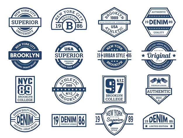 Emblemas de jeans. etiquetas de tipografía vintage, parches de desgaste de estilo urbano, pancartas deportivas bordadas, colección de vectores. camisa de vestir y jeans, ilustración de mezclilla de emblema de marca