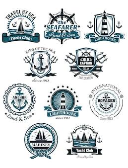 Emblemas marinos y pancartas con timón, cuerda, yate, faro.