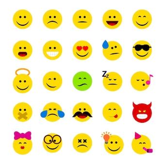 Emoticonos, conjunto de ilustraciones vectoriales de emoji de emoticonos idolsados sobre fondo blanco, caras con diferentes emociones, expresiones faciales.