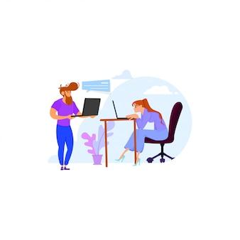Empleados en la oficina, cliente y programador, discuten el proyecto.