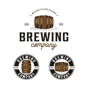 Empresa cervecera con logotipo barril vintage.
