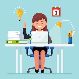 Empresaria con bombilla. la mujer tiene una buena idea, solución del problema.