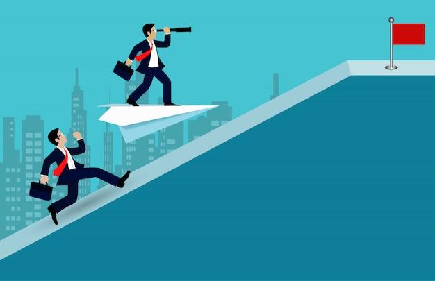 Empresario competencia corriendo cuesta arriba ir a la meta