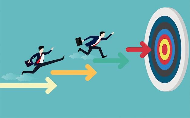 Empresario corriendo en la flecha de escaleras apuntando al objetivo