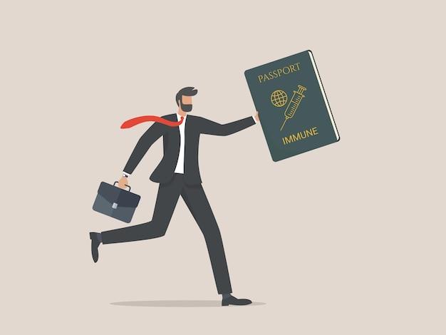 Empresario corriendo y sosteniendo el pasaporte de la vacuna