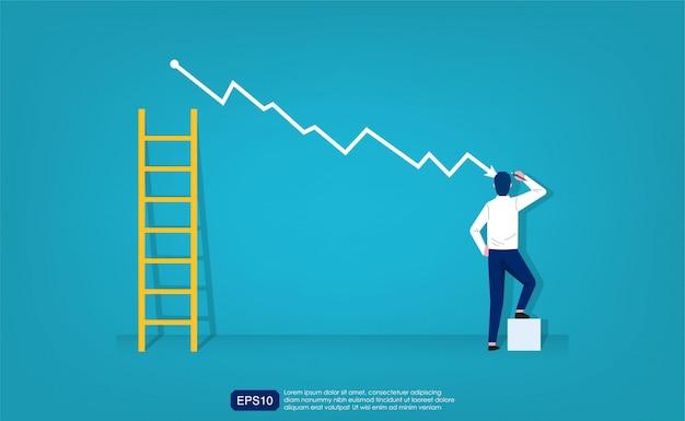 El empresario dibuja un gráfico simple con curva descendente y símbolo de escalera.