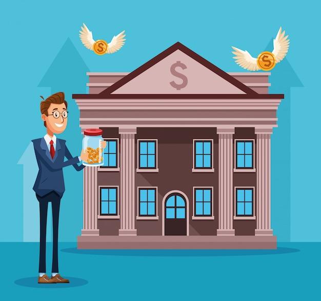Empresario de dibujos animados sosteniendo una botella con monedas de dinero en frente del edificio del banco sobre azul