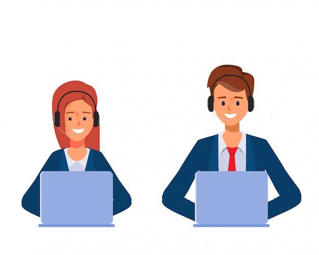 Empresario y empresaria en call center o servicio al cliente trabajando con una computadora portátil.