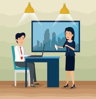 Empresario y empresaria con laptop