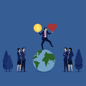 Empresario haciendo malabares actuar sobre el globo mientras sostiene la moneda y el corazón