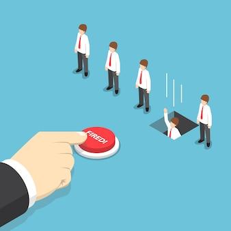 Empresario isométrico mano presionando el botón disparado para despedir a su empleado