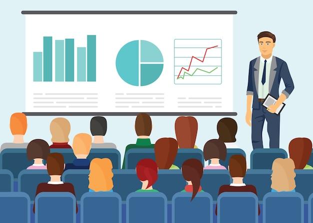 Empresario mostrando presentación a la gente