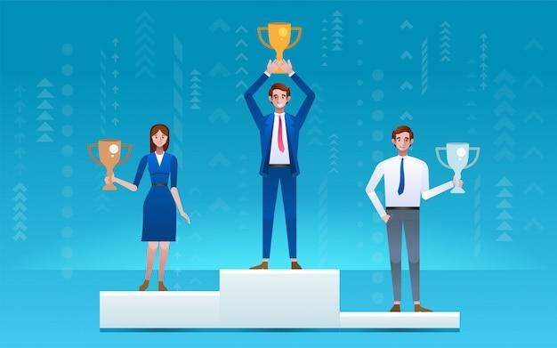 Empresario de pie en el podio ganador