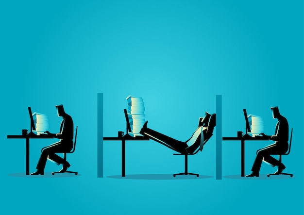 Empresario relajante mientras sus amigos trabajan