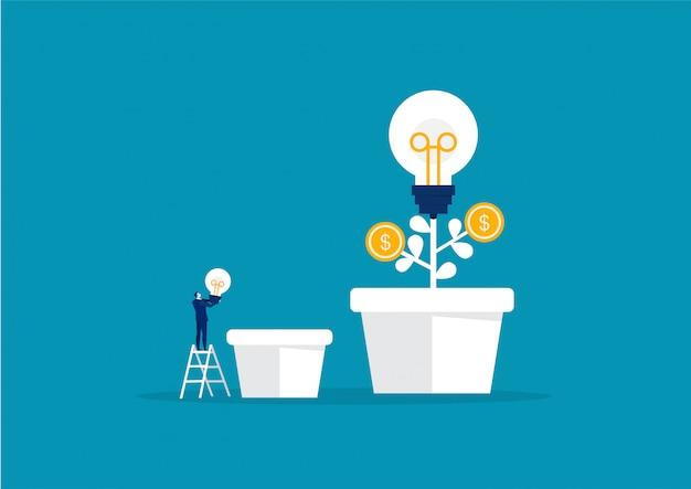 Empresario sosteniendo bombilla, invertir, vector de idea creativa