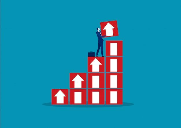 Empresario sosteniendo gran flecha apuntando hacia el concepto de éxito