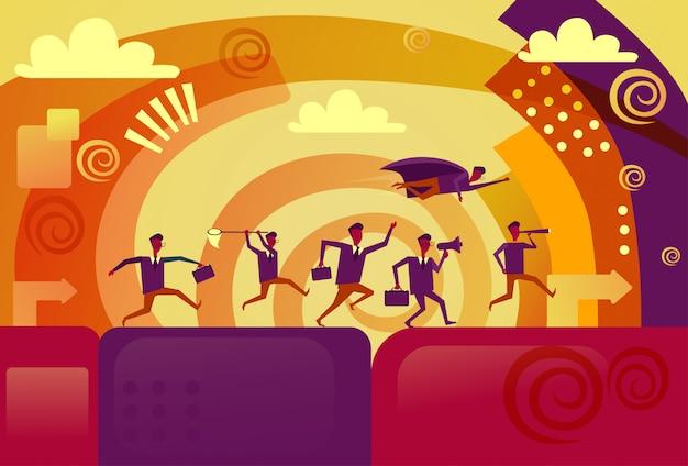 Empresario superhéroe volando sobre competidores corriendo