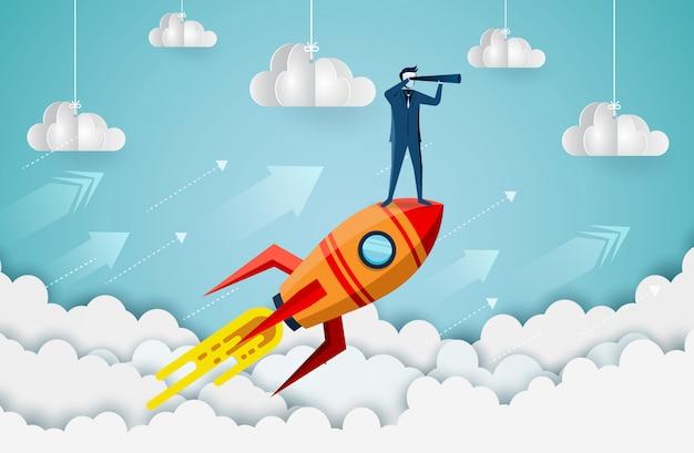 Empresarios de pie sosteniendo binoculares en un transbordador espacial hasta el cielo mientras vuelan por encima de una nube.