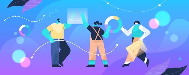 Empresarios que analizan información estadística en tablas y gráficos proceso de análisis de datos planificación de marketing digital estrategia de la empresa concepto de longitud completa ilustración vectorial horizontal