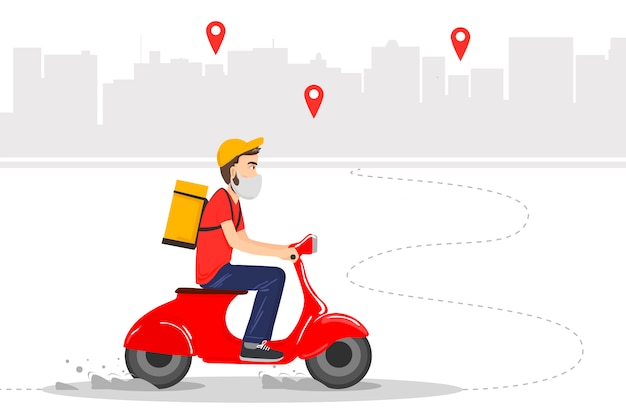 La entrega de alimentos se realiza por mensajería en un ciclomotor rojo con comida preparada. mensajero en máscara protectora.