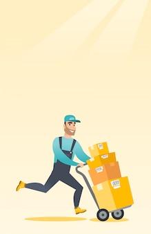 Entrega cartero con cajas de cartón en carro.