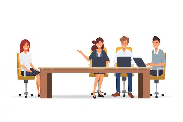 Entrevista de empresarios con profesionales y profesionales de oficina de recursos humanos.