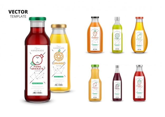 Envases de botella de vidrio realista de jugo fresco con etiquetas