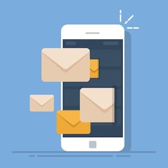 Envío de correos electrónicos desde un teléfono móvil. cliente de correo en el teléfono inteligente