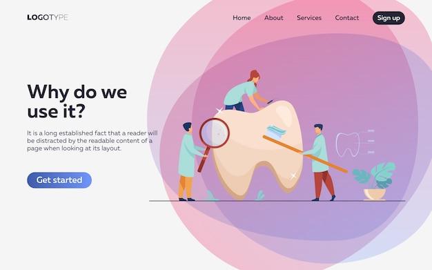 Equipo de dentistas cuidando dientes