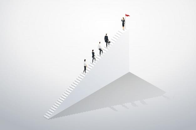 Equipo empresarial líder empresaria subir escaleras paso hacia el éxito.