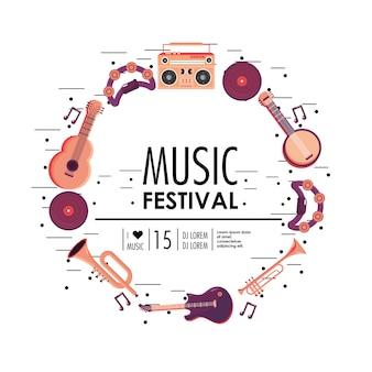 Equipo de instrumentos para la celebración del festival de música.