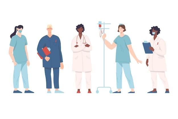 Equipo multiétnico de médicos profesionales