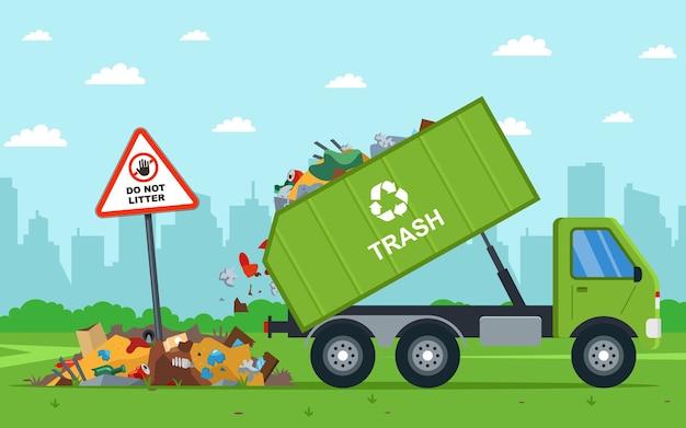 Es ilegal tirar los desechos de la ciudad al campo. camión volquete descarga residuos.