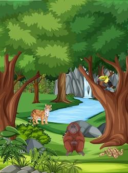 Escena del bosque con diferentes animales salvajes.