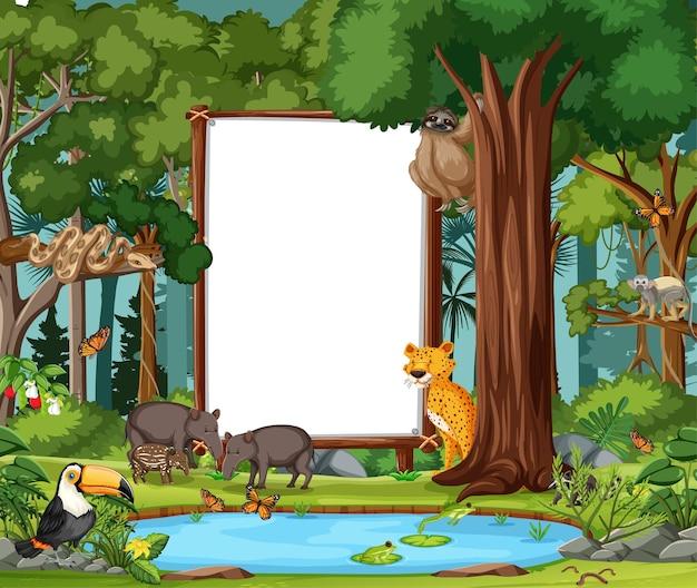Escena del bosque con pancarta vacía y muchos animales salvajes.