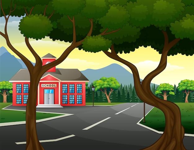 Escena callejera con edificio escolar y naturaleza verde.