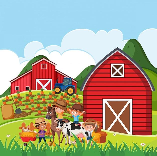 Escena de la granja con muchos niños y animales en la granja