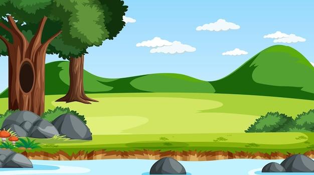 Escena de la naturaleza con arroyo que atraviesa el bosque.
