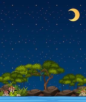 Escena de la naturaleza vertical o paisaje de campo con vista al bosque y cielo en blanco junto al río en la noche