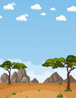 Escena de la naturaleza vertical o paisaje de campo con vista al desierto y cielo en blanco durante el día