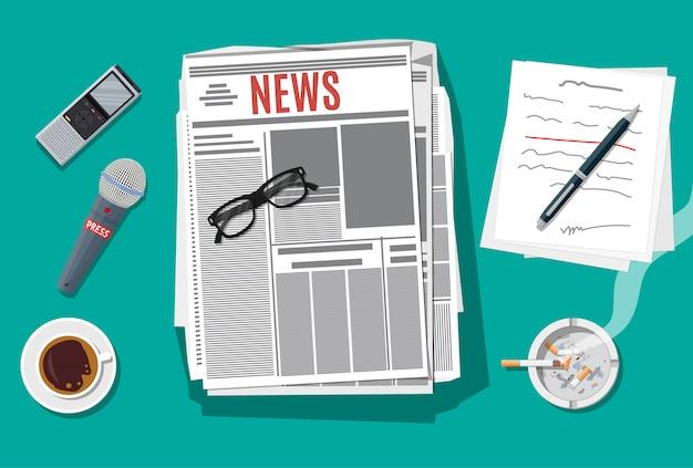 Escritor o periodista en el trabajo.