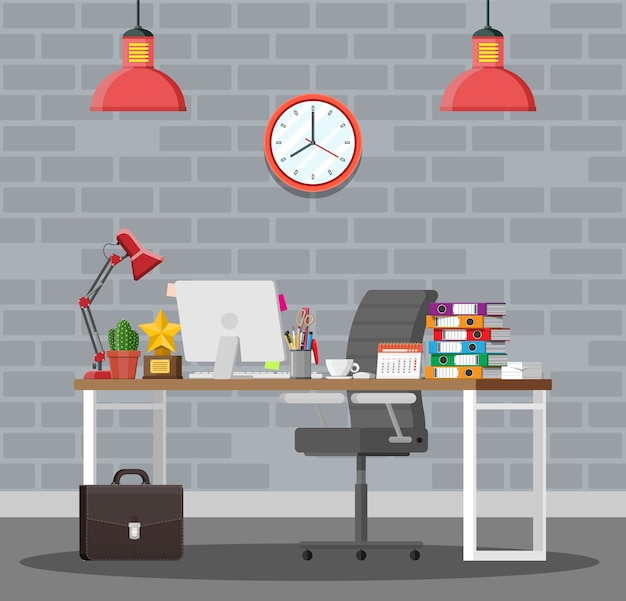 Escritorio de oficina con silla para computadora, lámpara, taza de café, documentos de cactus.