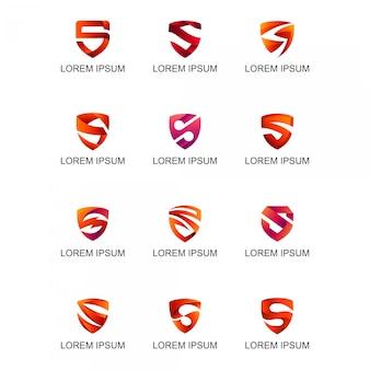 Escudo rojo con la colección del logotipo de la letra s.