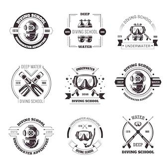 Escuela de buceo promo emblemas monocromos con conjunto de equipos.