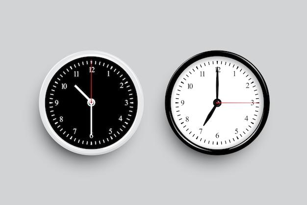 Esferas de reloj clásicas en blanco y negro. plantillas de reloj en blanco y negro aisladas sobre fondo gris.