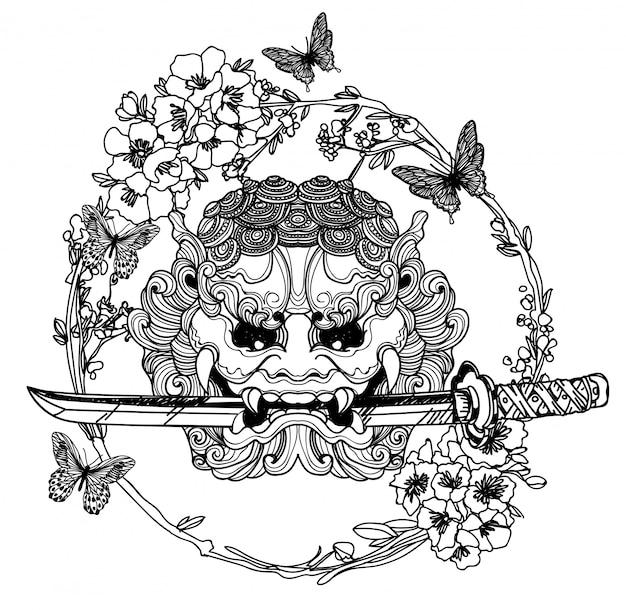 Espada gigante del arte del tatuaje con flores alrededor de dibujo y boceto a mano.